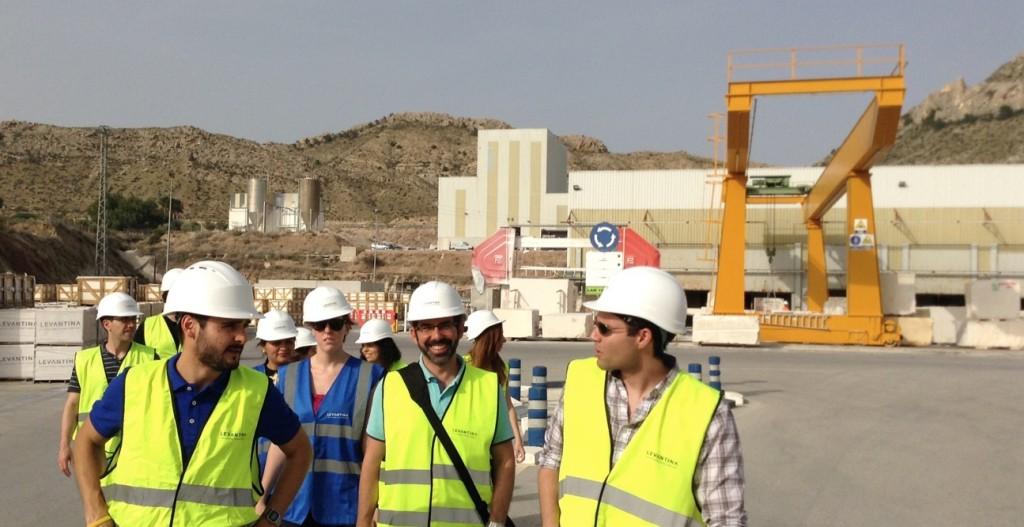 Los alumnos del MUIOL visitan Levantina