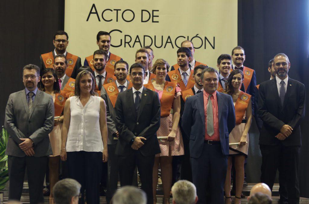 ¡Enhorabuena a los egresados de la 2º promoción del MUIOL 2015-16!