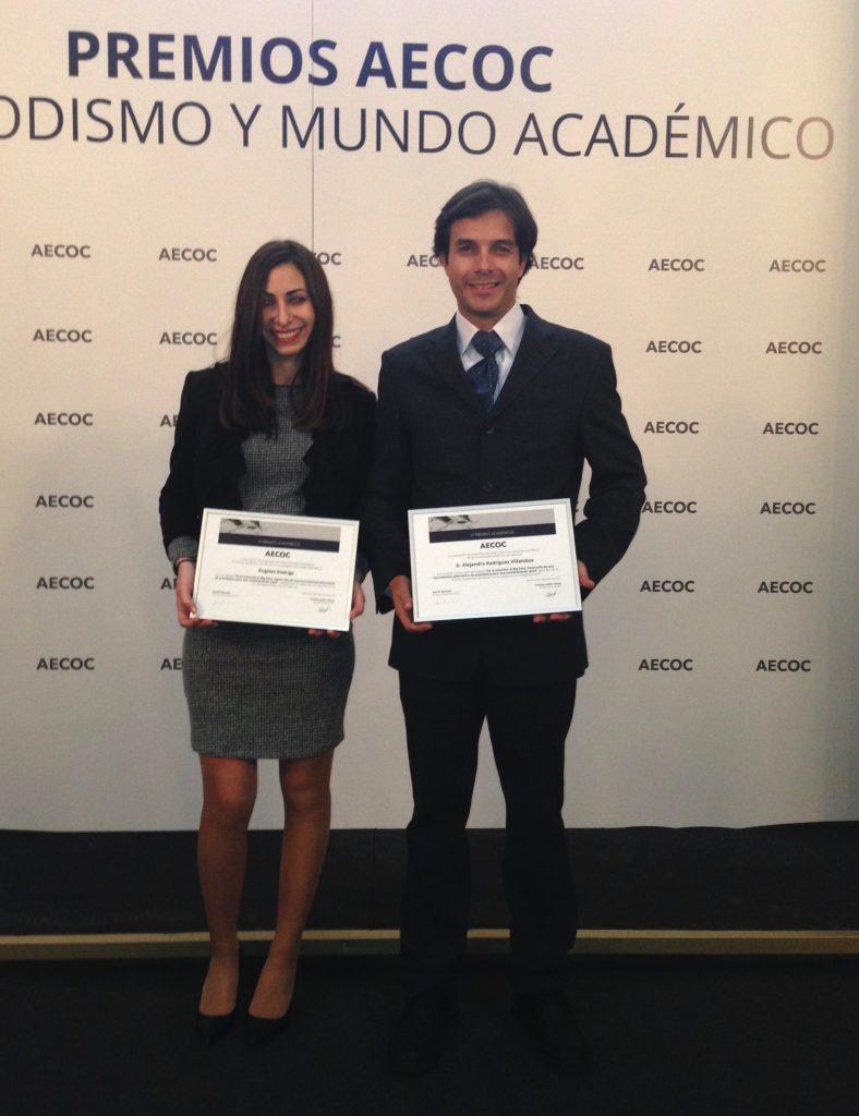 Ángeles Rodrigo Oltra y el profesor Alejandro Rodríguez reciben el 1er premio AECOC - categoría Tecnología aplicada.