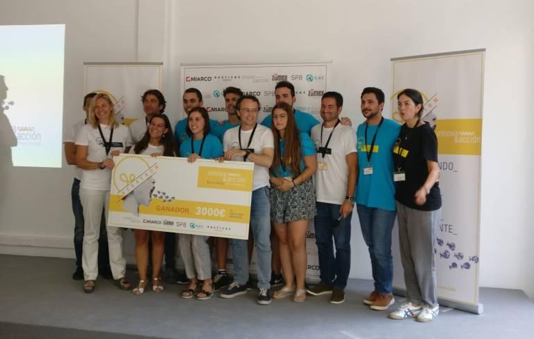 Pablo Medina alumno del MUIOL premiado en el Hackathon Innova&Acción Business Challenge 2018