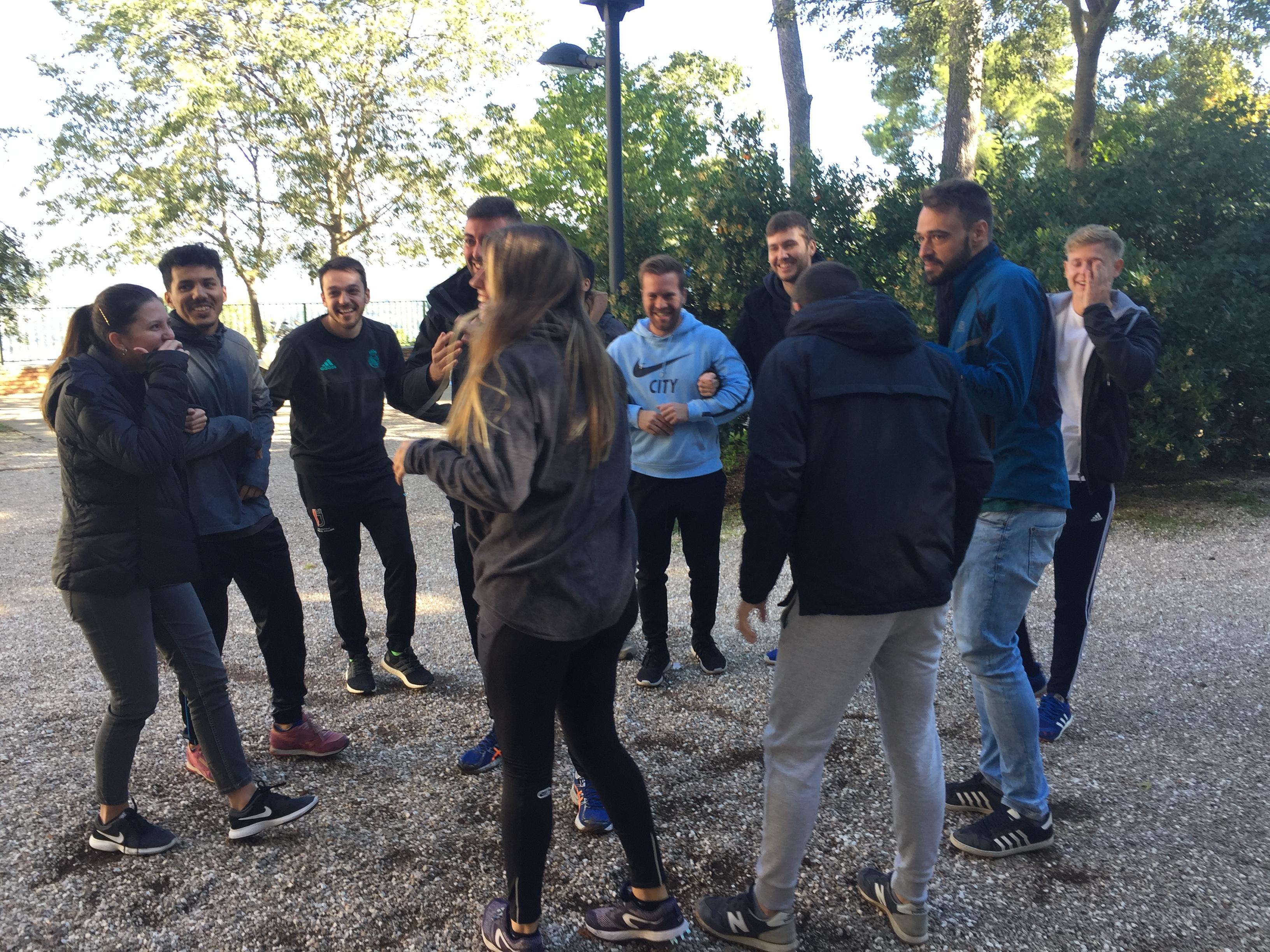 Los alumnos del MUIOL aprenden al aire libre en el parque natural de la Font Roja