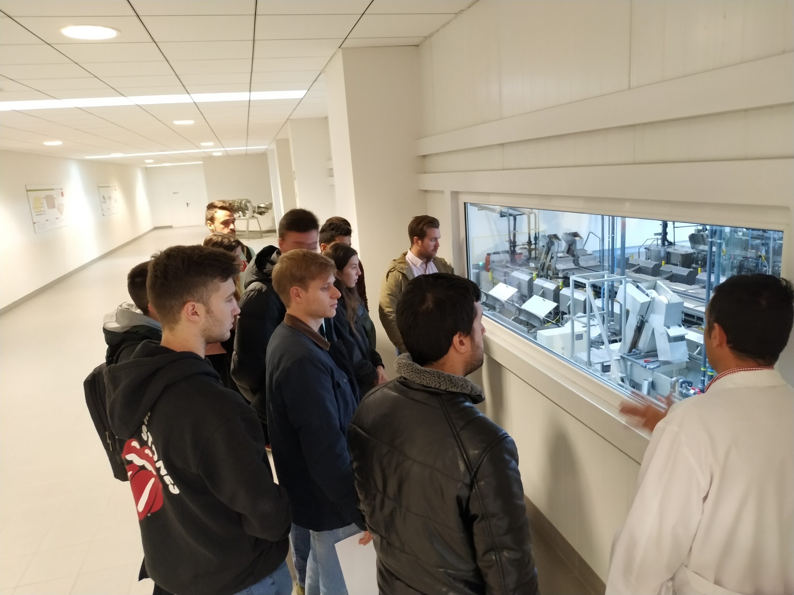 Los alumnos de MUIOL visitan la empresa Cándido Miró S.L.